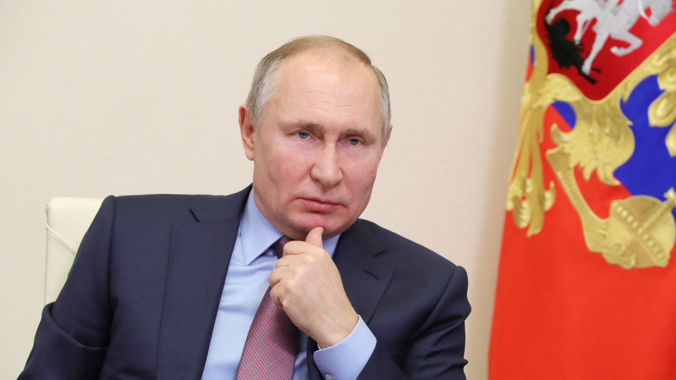 Putin says the New World Order has Flopped