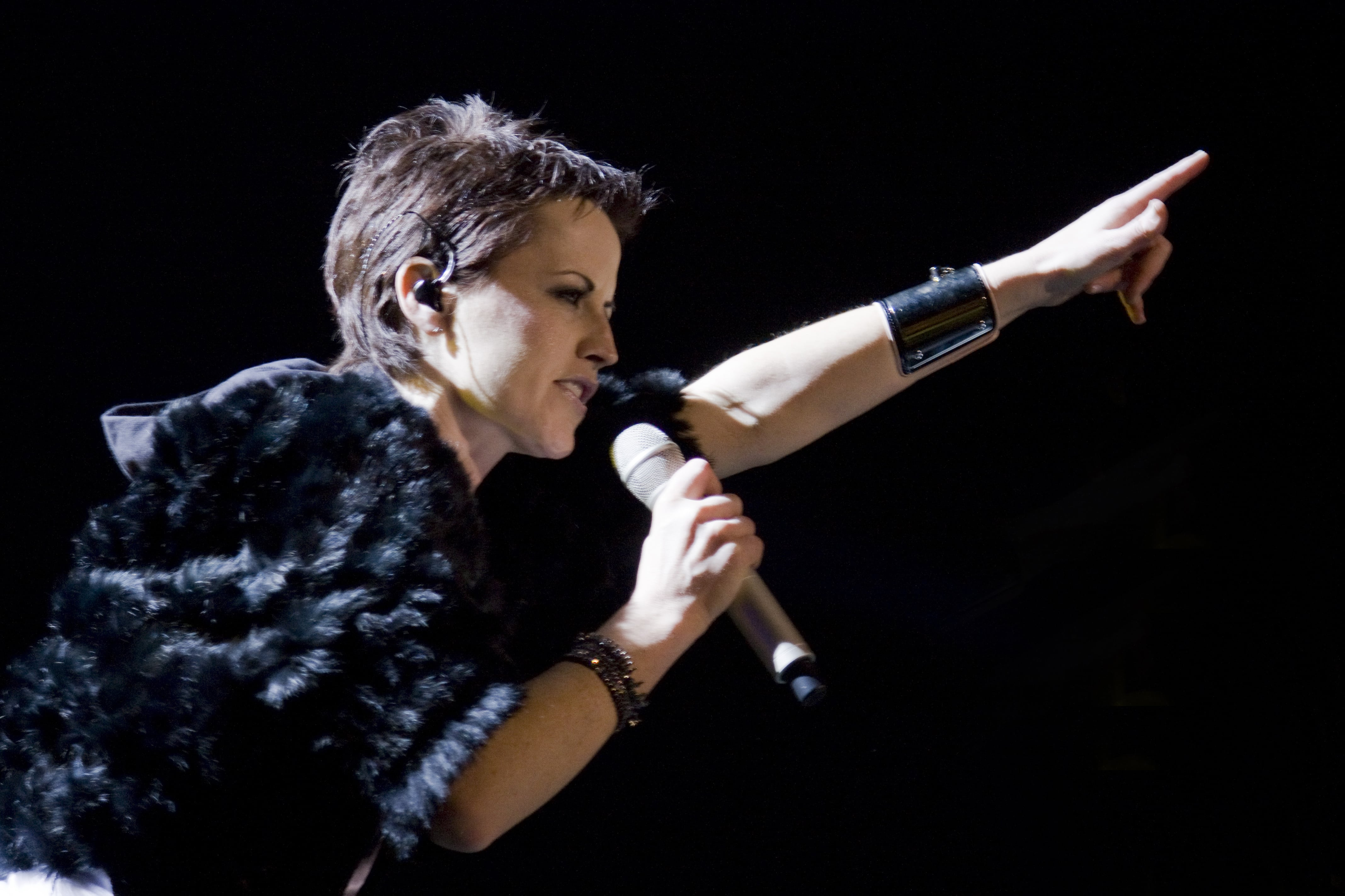 The Cranberries. Dolores, the IRA, Ireland and Catholicism